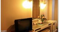 - สัณญาณ WIFI ทุกชั้นของห้องพัก -ระบบรักษษความปลอดภัยด้วยกล้อง CC TV - ห้องพักมีขนาดกว้างขวาง พร้อม TV และช่องรายการ Cable TV